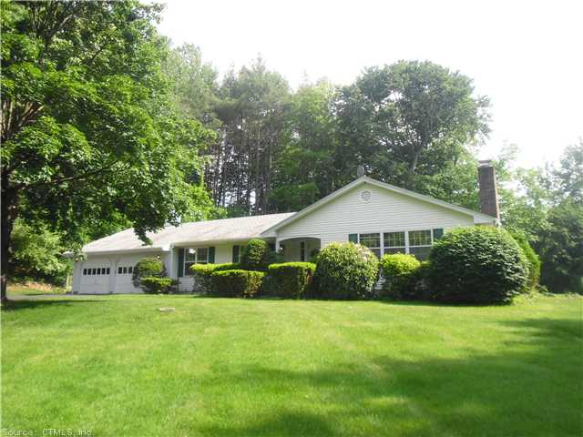 165 Country Club Rd, Cheshire, CT 06410