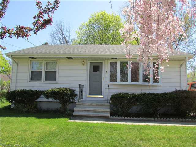 8 Warner Ave, East Haven, CT 06512