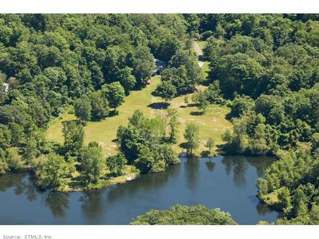 498 S Hoop Pole Rd, Guilford, CT 06437