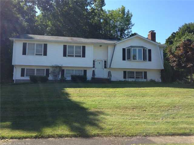 32 Brook Hill Rd, Hamden, CT 06514