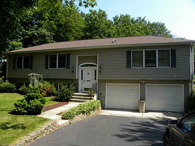 Rental Homes for Rent, ListingId:26195383, location: 485 WEST WOODS ROAD Hamden 06518
