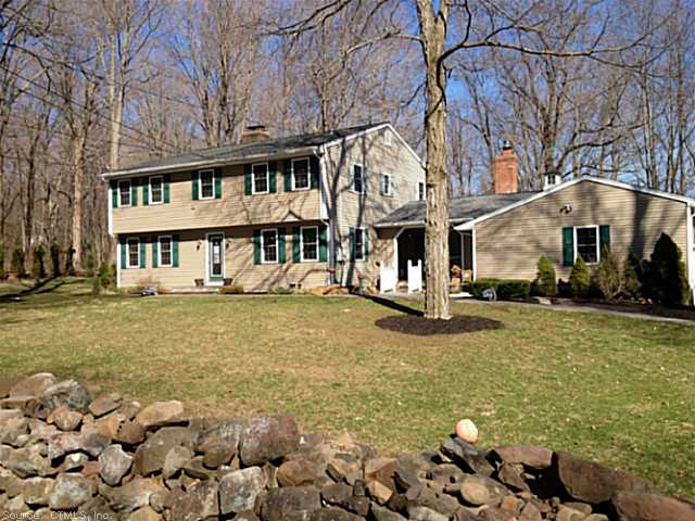 154 Finch Ave, Meriden, CT 06451