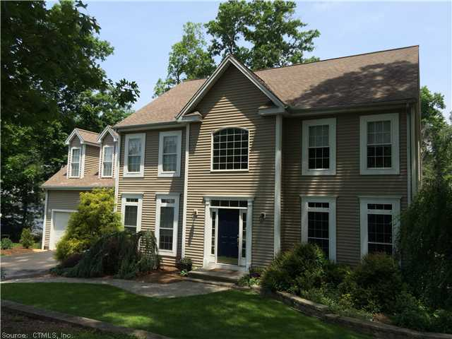 15 Brockett Rd, Wallingford, CT 06492