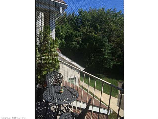 164 Carriage Crossing Dr, Middletown, CT 06457