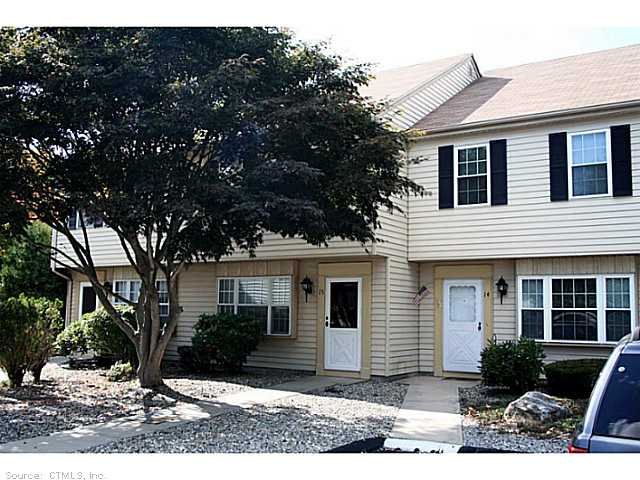 15 Founders Vlg, Clinton, CT 06413