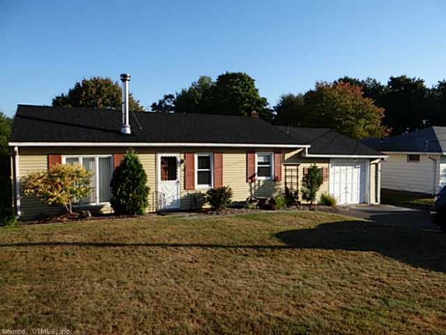 28 Evergreen Rd, Cromwell, CT 06416