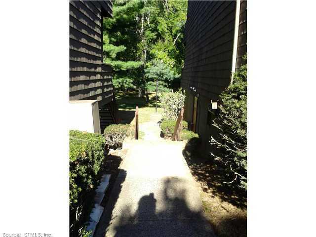 Rental Homes for Rent, ListingId:30180986, location: 92 TOWN HOUSE Hamden 06514