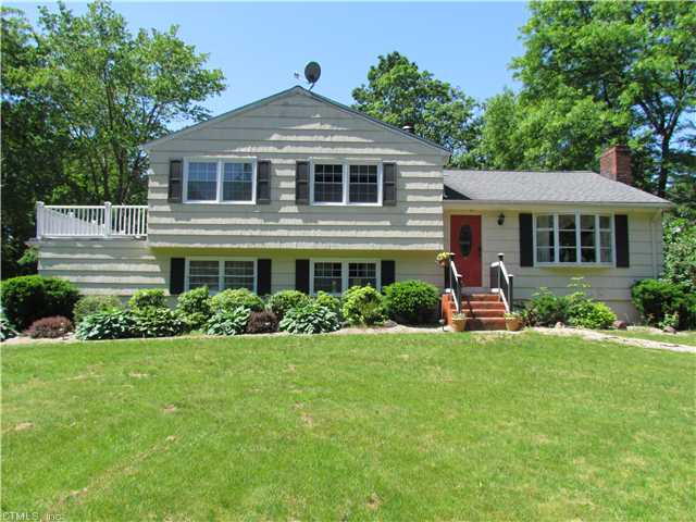 Real Estate for Sale, ListingId: 18516282, Simsbury, CT  06070