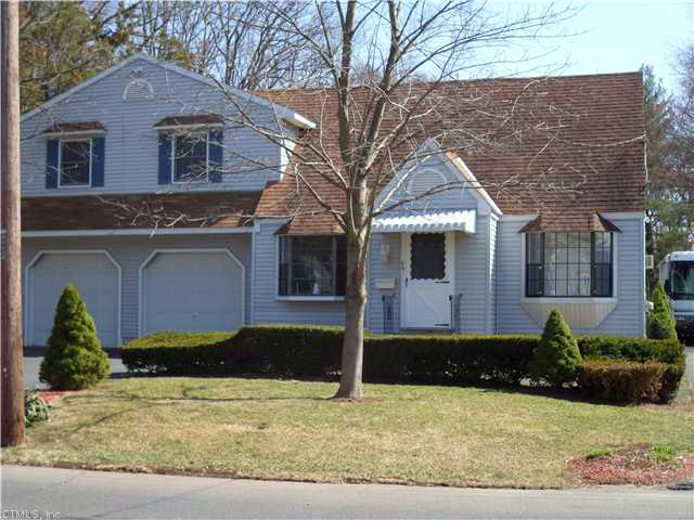 89 Pickney Ave, Plainville, CT 06062