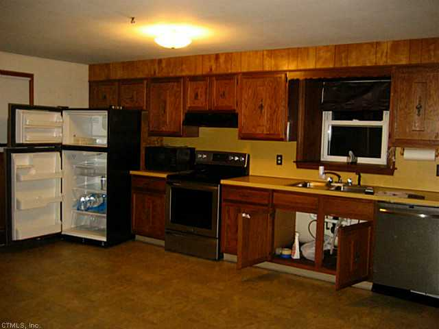 Rental Homes for Rent, ListingId:26348342, location: 457 OAKVILLE Waterbury 06708
