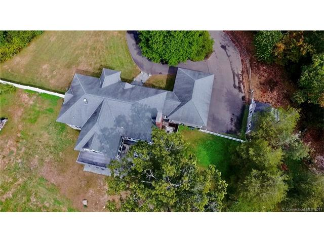 Photo of 24 Timber Ln  Bethany  CT