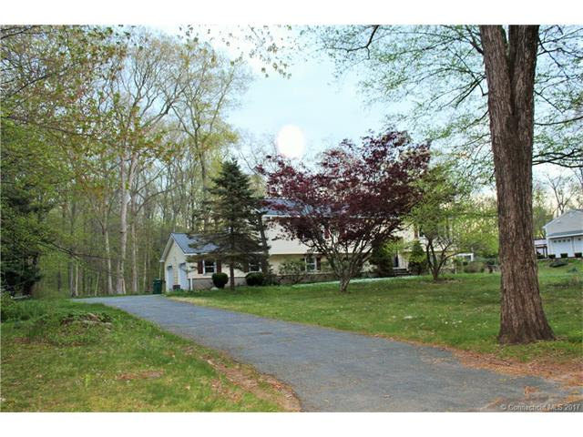 Photo of 57 Oakwood Dr  Oxford  CT