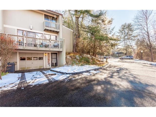 Photo of 8 Clubhouse Drive  Woodbury  CT