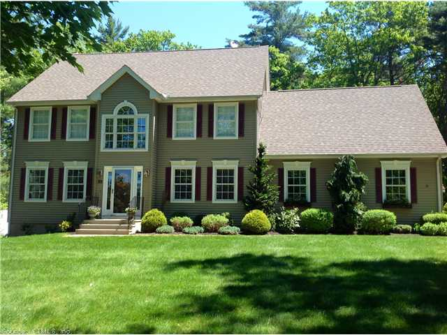 33 Crystal Ridge Dr, Ellington, CT 06029