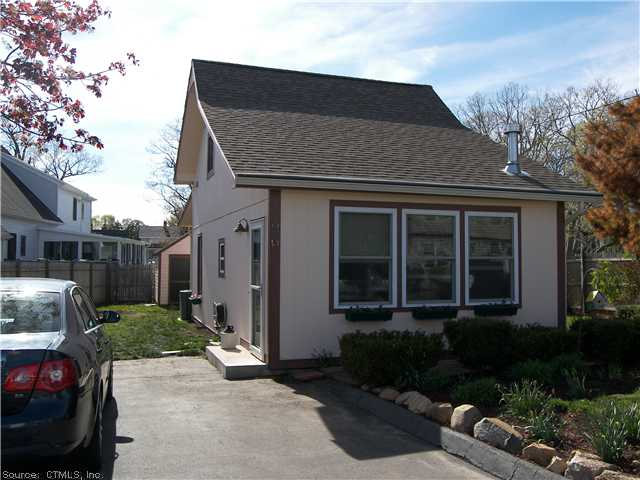 26 Center Ave, East Haven, CT 06512