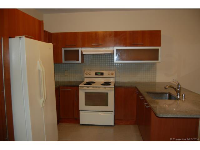 Rental Homes for Rent, ListingId:31001044, location: 264 South Main St Thomaston 06787