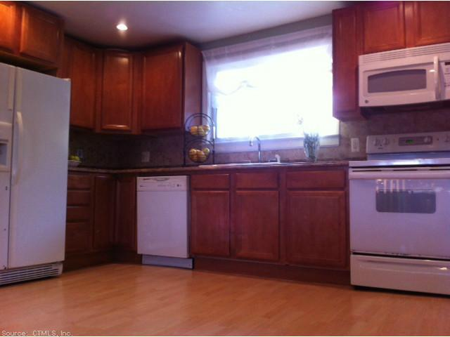 37 Essex Ave, Waterbury, CT 06704