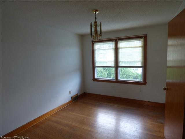 Rental Homes for Rent, ListingId:29547574, location: 32 CHAMBERS ST Waterbury 06708