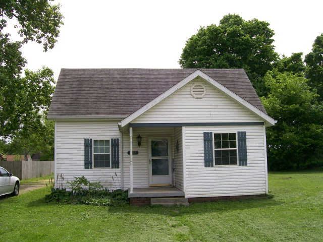 369 Main St, Perrysville, IN 47974