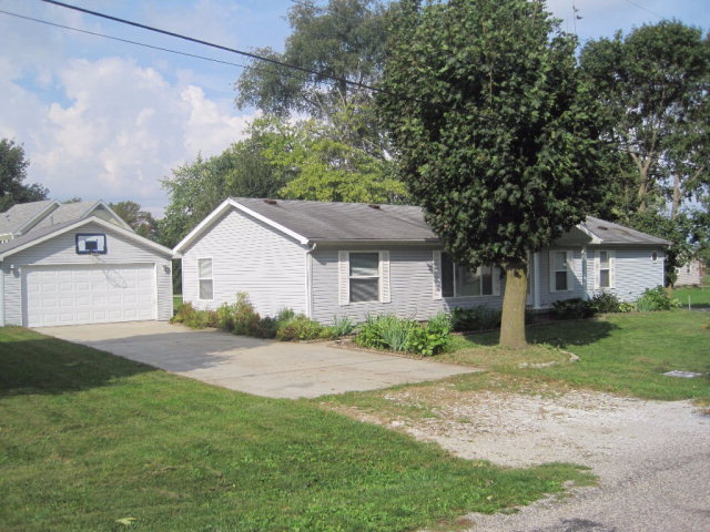 Photo of 106 Smith  Rossville  IL