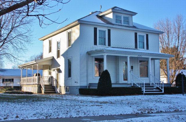 Photo of 855 E Washington St  Hoopeston  IL