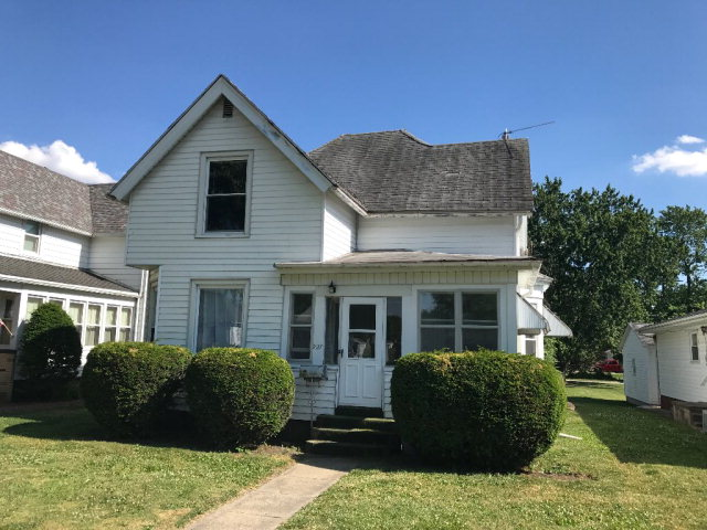 Photo of 727 E MAIN  Hoopeston  IL