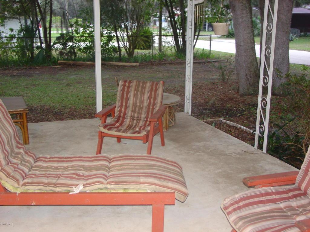 404 Cove Dr, Satsuma, FL 32189