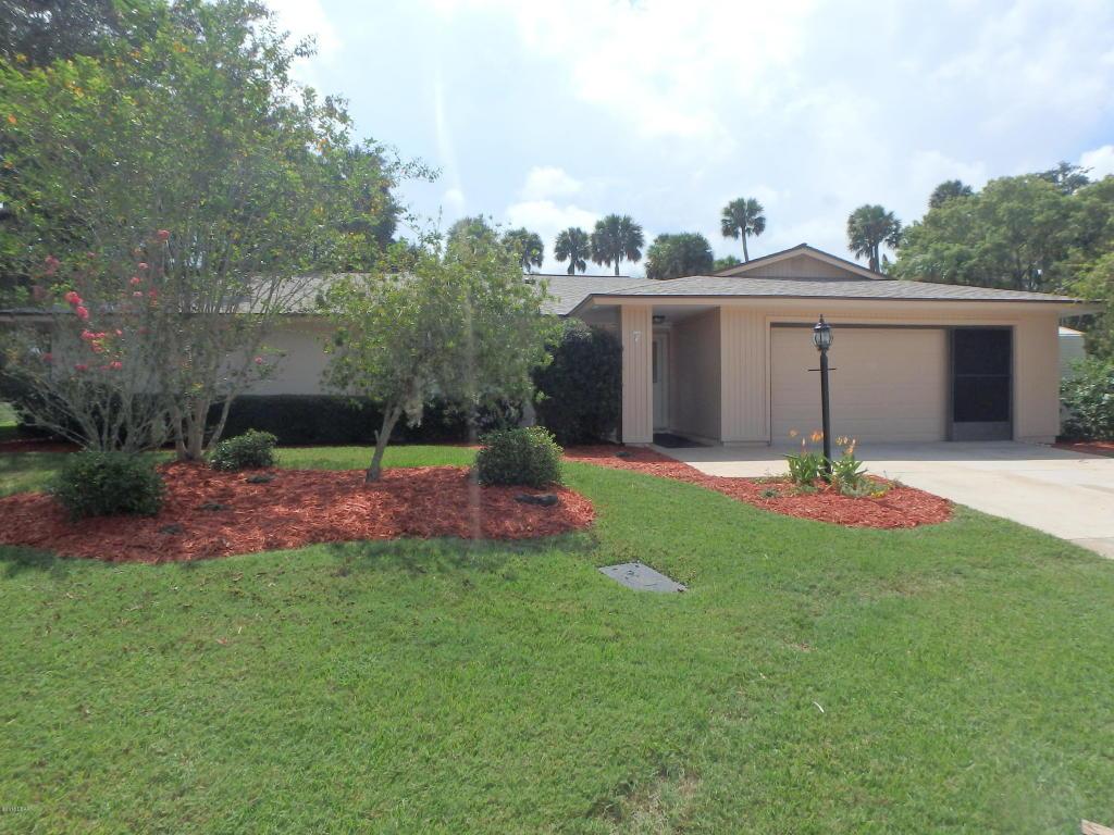 7 Courtney Ct, Palm Coast, FL 32137