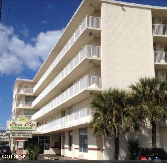 1233 S Atlantic Ave, Daytona Beach, FL 32118