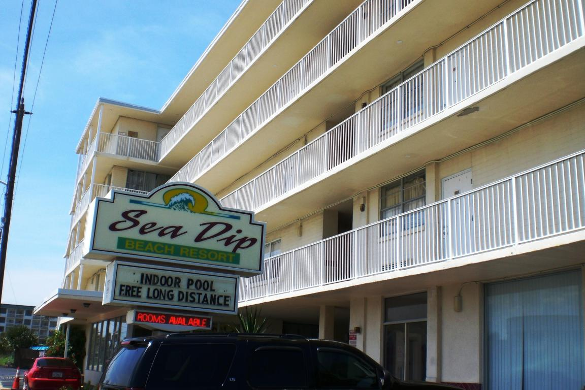 Photo of 1233 S Atlantic Avenue  Daytona Beach  FL