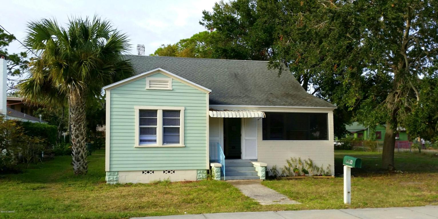 Photo of 704 Loomis Avenue  Daytona Beach  FL