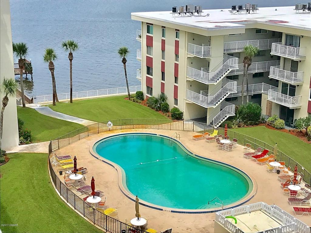 Condominium, Modern - Daytona Beach, FL (photo 1)