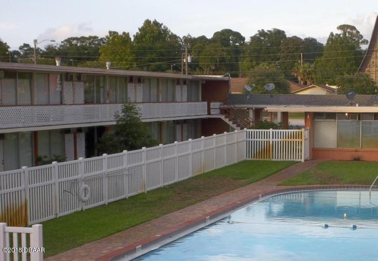 1202 Ridgewood Avenue Holly Hill, FL 32117