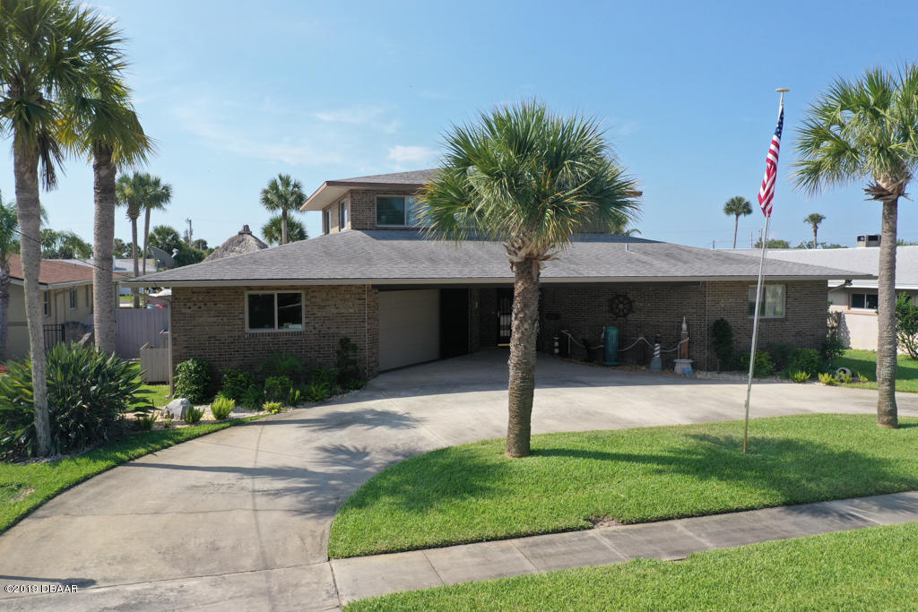 137 Sea Isle Circle, South Daytona, Florida