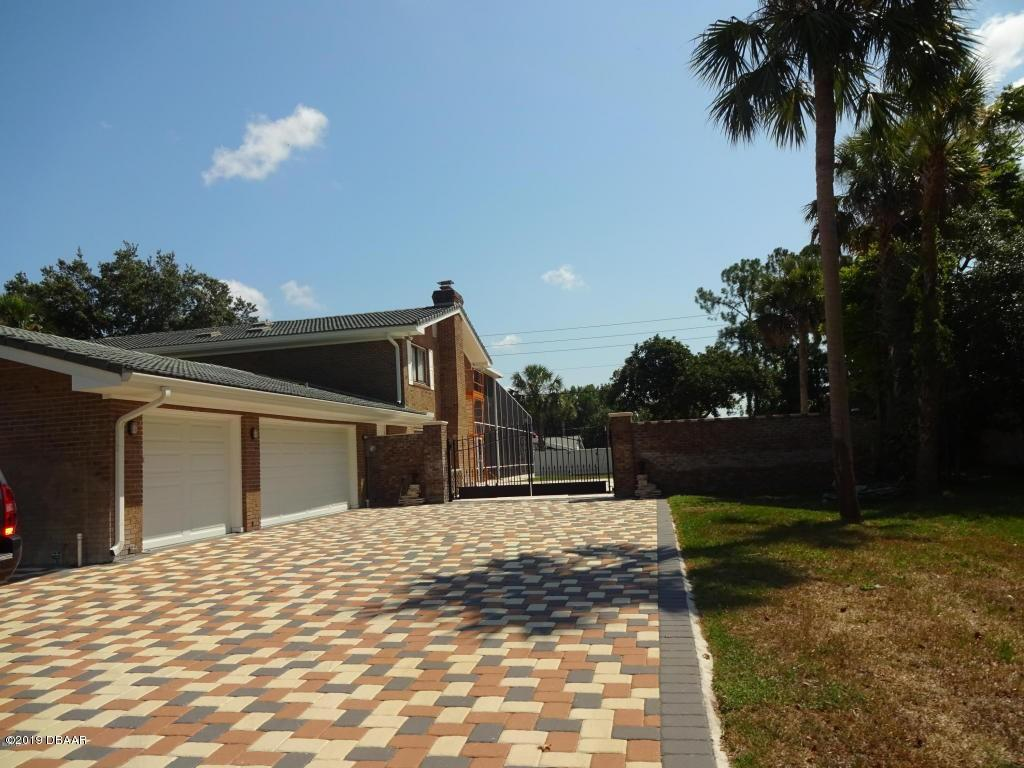 433 Pelican Bay Drive, South Daytona, Florida