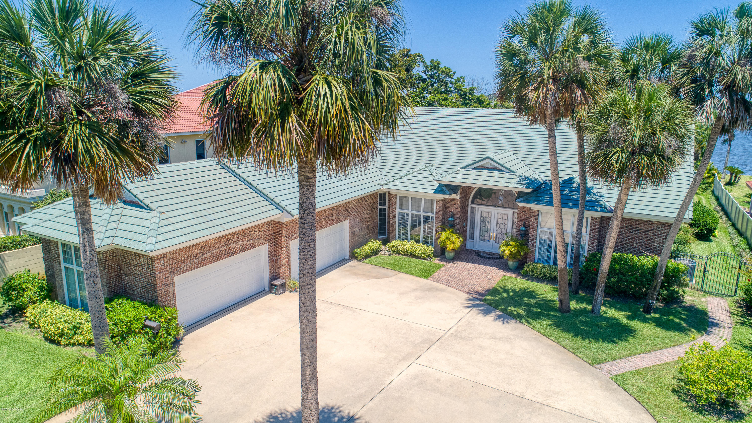 657 N Beach Street, Ormond Beach, Florida