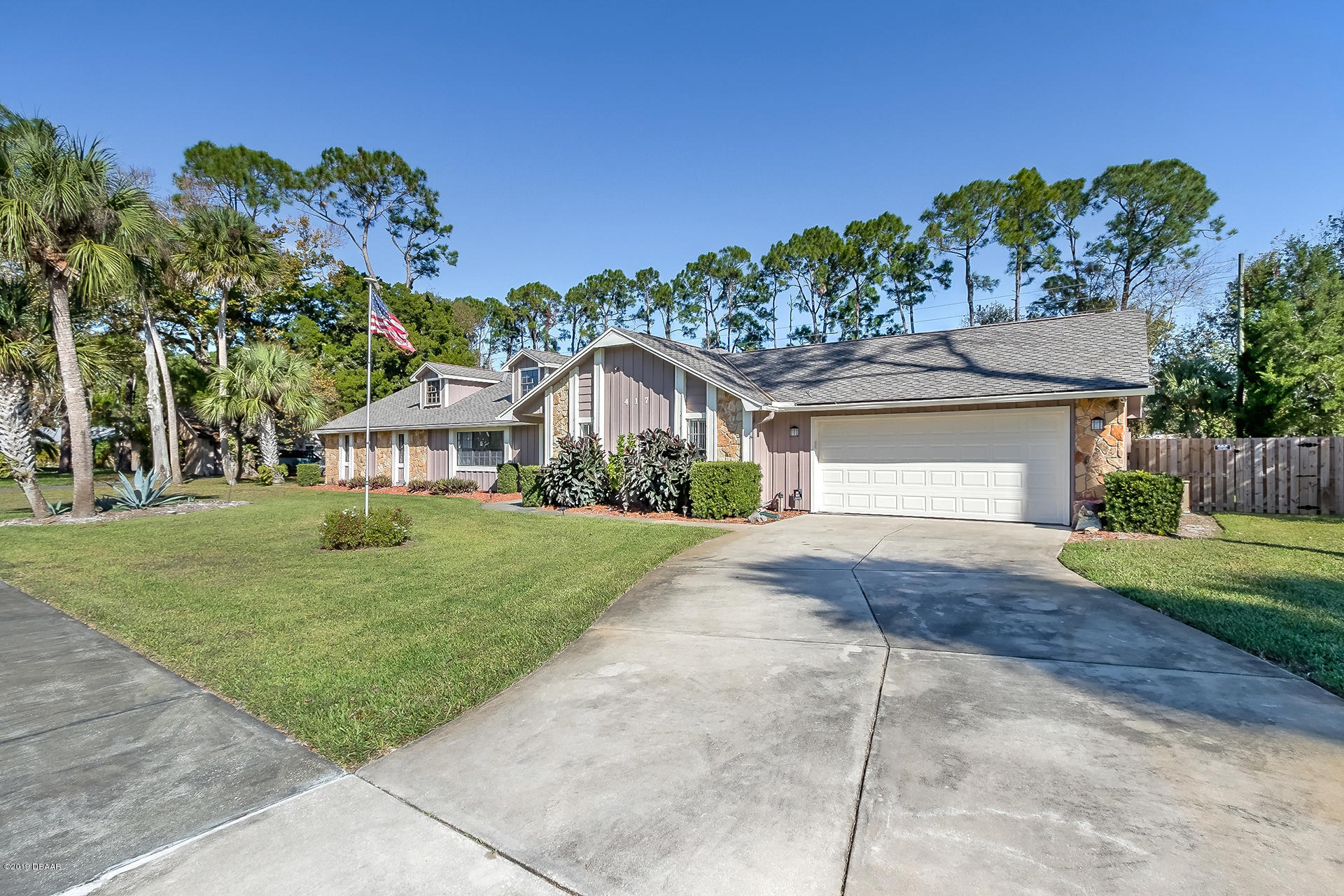 417 Pelican Bay Dr, South Daytona, Florida