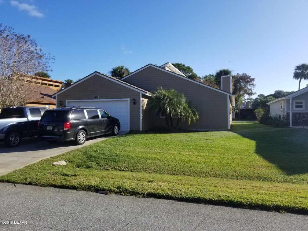 180 N Gull Circle, South Daytona, Florida