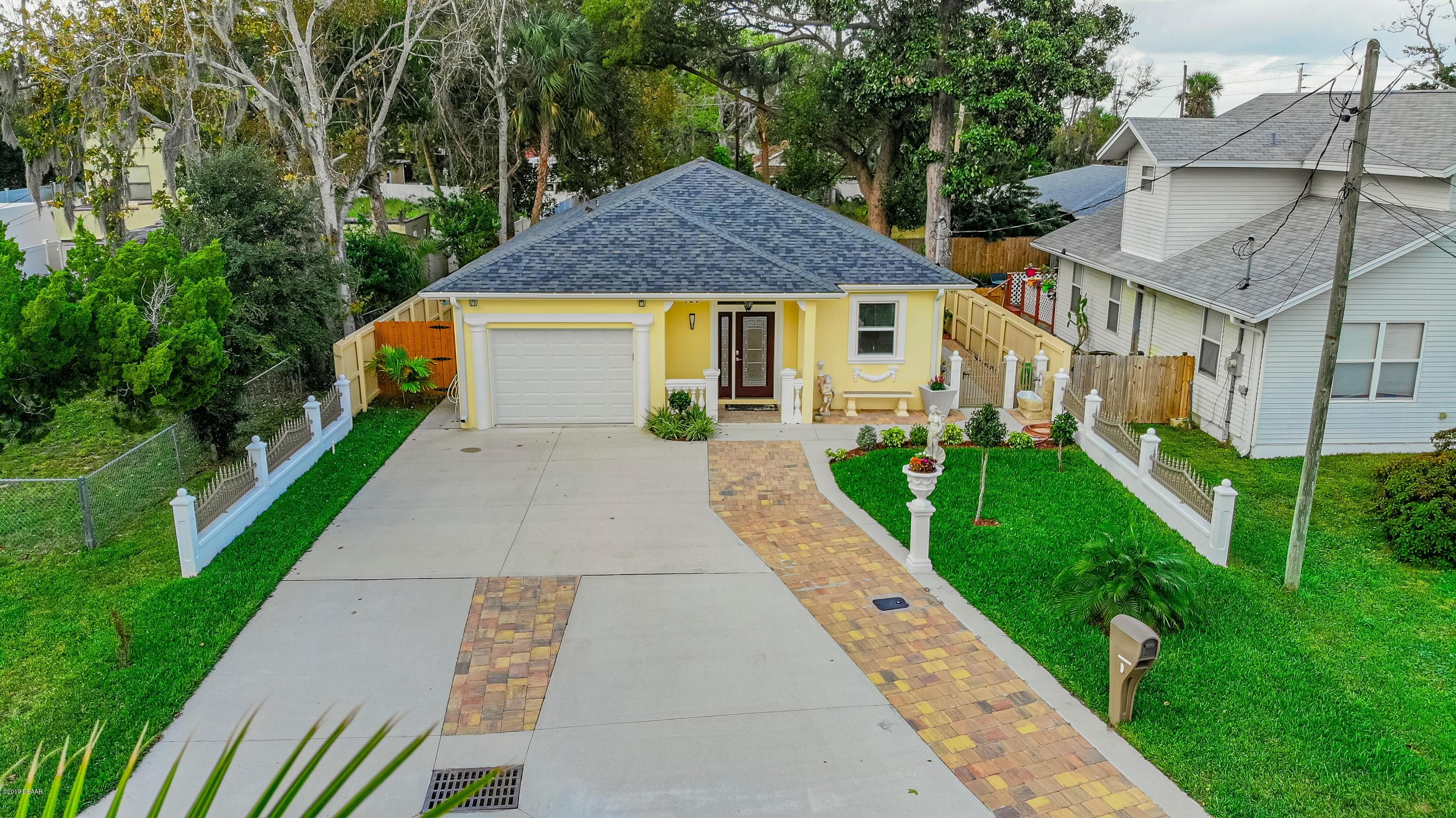 120 7th St, one of homes for sale in Holly Hill