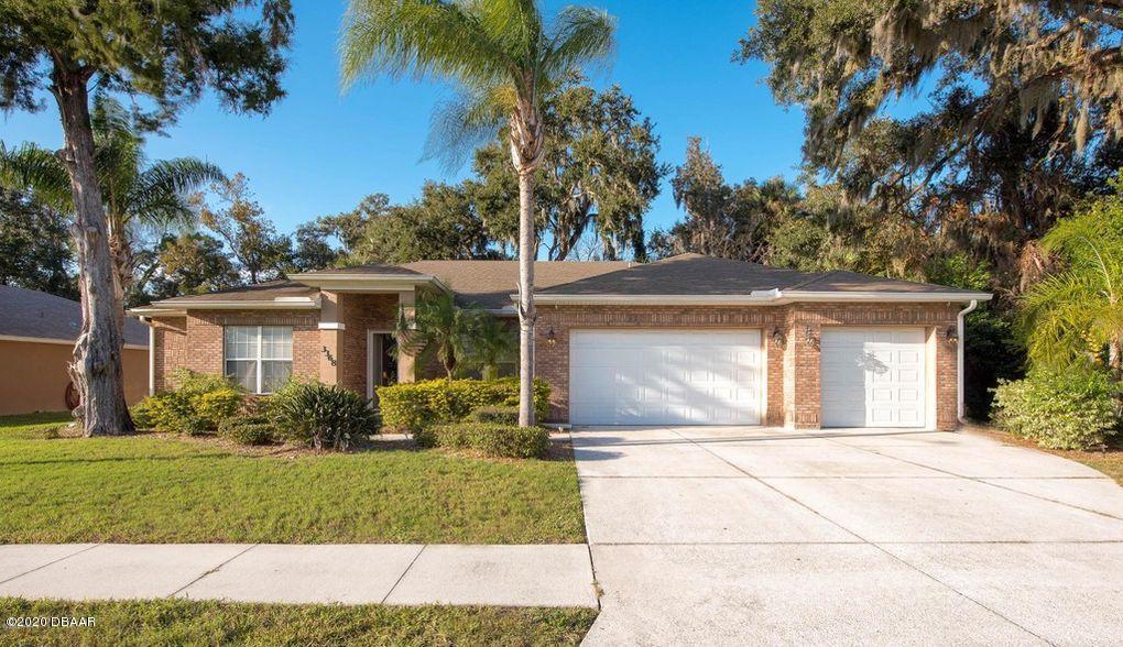 3368 Country Manor Drive, South Daytona, Florida