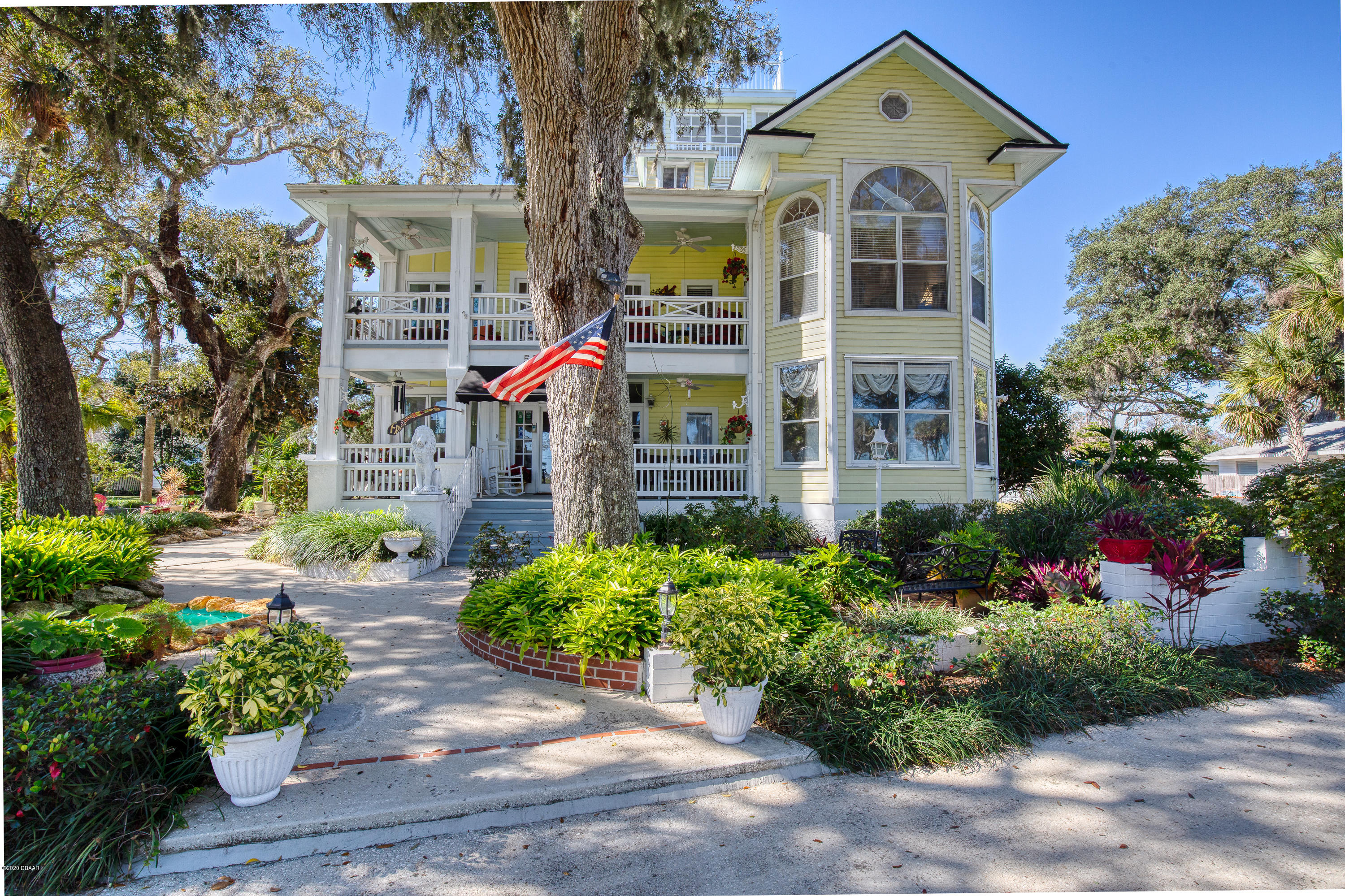 558 Riverside Drive, Holly Hill, Florida