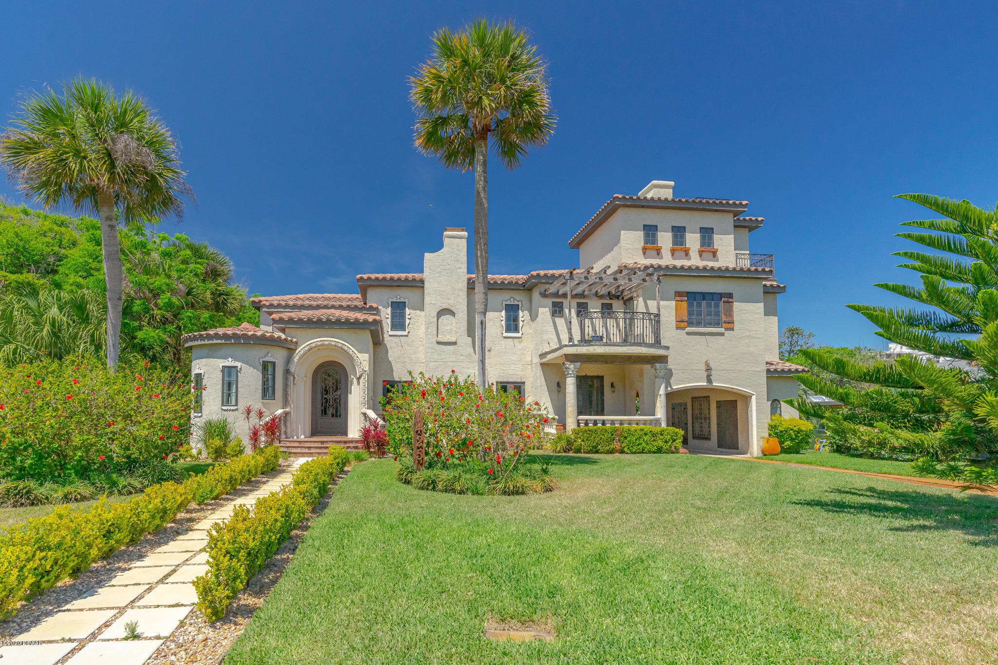 One of Daytona Beach Shores 5 Bedroom Homes for Sale at 425 Ocean Dunes Road