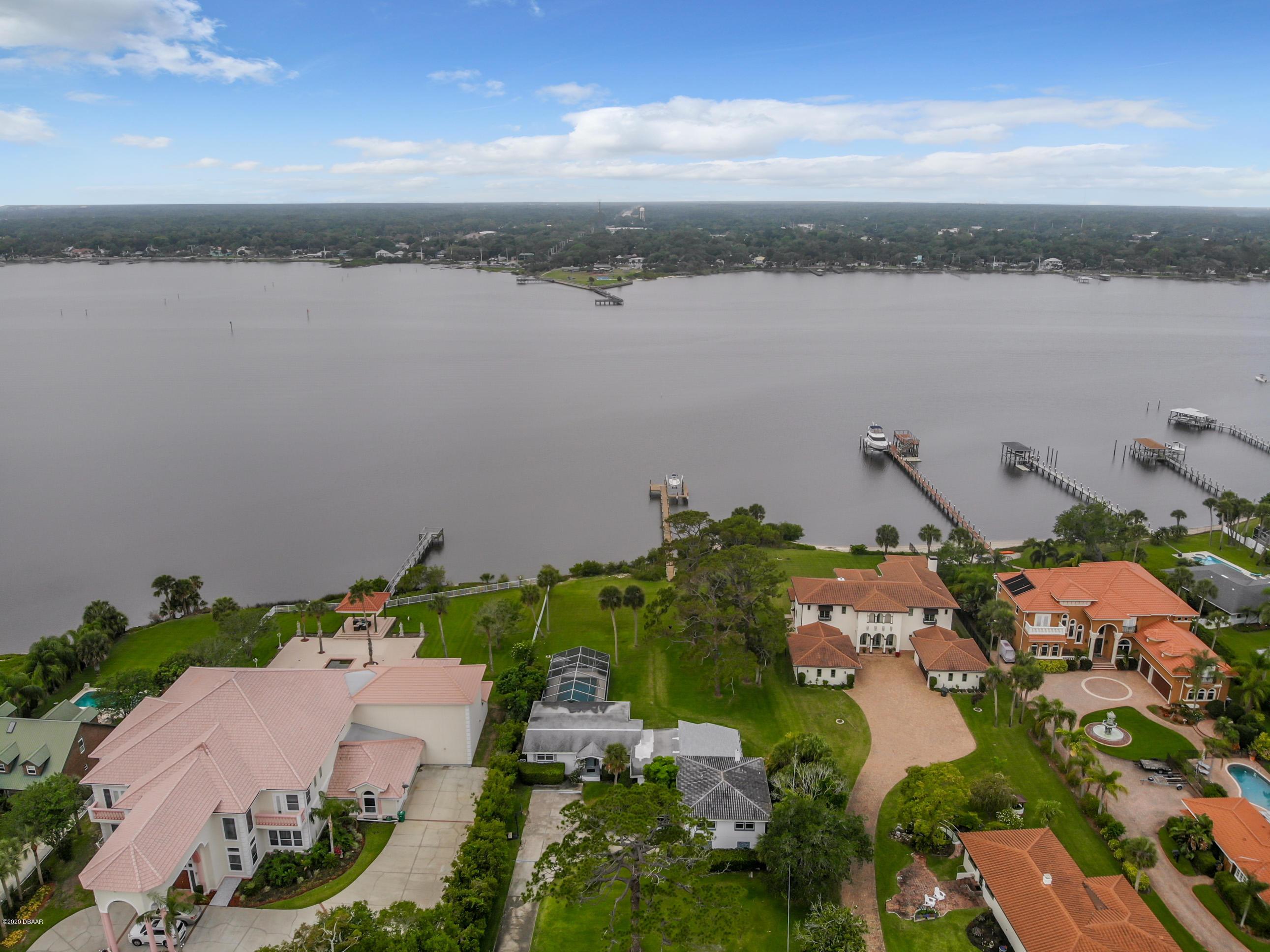 1533 N Halifax Avenue, Daytona Beach Shores, Florida