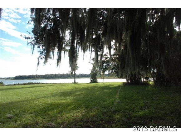 Land for Sale, ListingId:26223357, location: 990 Island Grove Dr Deland 32724
