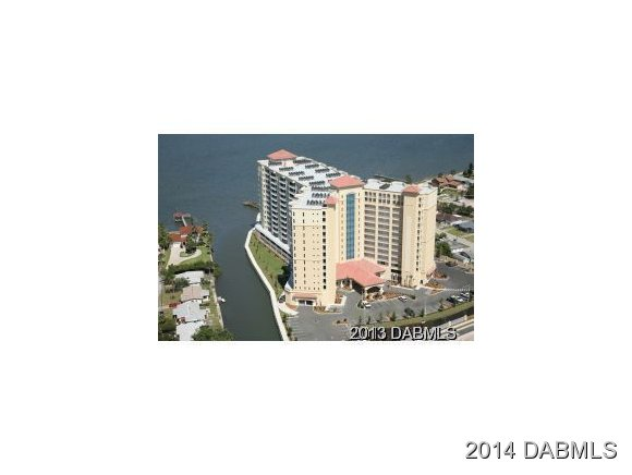 Featured Property in SOUTH DAYTONA, FL, 32119