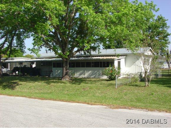 128 South St, Oak Hill, FL 32759