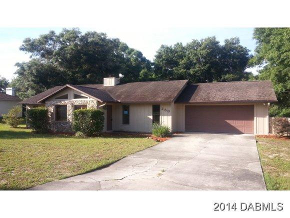 280 W Retta St, DeLeon Springs, FL 32130