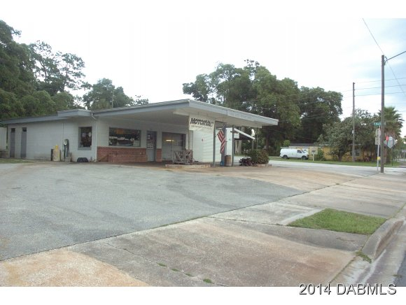 4853 Us-17 N, DeLeon Springs, FL 32130