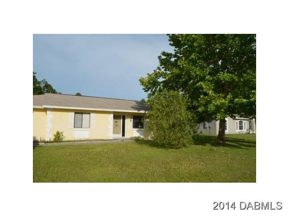 8 Bressler Ln, Palm Coast, FL 32137