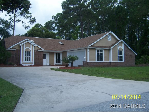 4 Banner Ln, Palm Coast, FL 32137